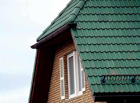 Крыша крытая бетонной черепицей