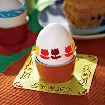 Красим яйца к Пасхе с детьми: переводные картинки и роспись. Шаг 8