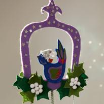 Новогодняя подвеска из фетра с кристаллами