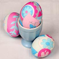Красим яйца цветной тканью