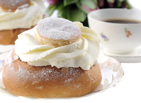 специалитеты на Масленицу; польский пончик
