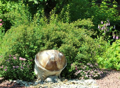 Сад Екатерины Локшиной, идеи для сада, дизайн сада, фонтан в саду, вода в саду, родник, Гейзер