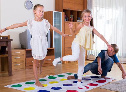 твистер, новогодние игры с детьми, что подарить, подарки детям, подвижные игры