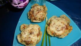 Картофельные корзиночки с киноа и сыром. Шаг 5