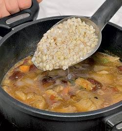 Суп из грибов и перловки. Шаг 3